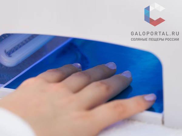 Покрытие ногтей гель-лаком может вызвать аллергическую реакцию