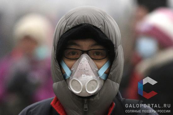 В Китае маски-респираторы прочно вошли в привычный обиход